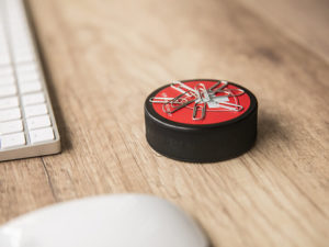 Eishockeypuck als Magnet